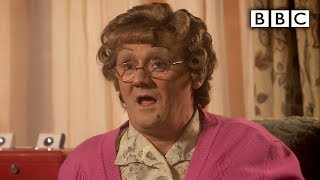 Download Mrs Brown and the Swingers - Mrs Brown's Boys - Series 3 Episode 6 Preview - BBC One Video