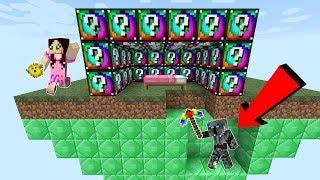 Download Minecraft: EXPLOSIVE SPIRAL LUCKY BLOCK BEDWARS! - Modded Mini-Game Video