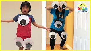 Download Kids Pretend Play with Mommy and Daddy Giant Magical Googly Eyes Video