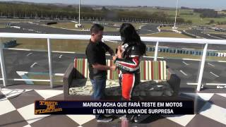 Download Teste de Fidelidade: Ex-piloto de moto não resiste e beija sedutora Video