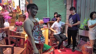 Download 【少女乩童~降乩接駕 溫柔婉約】 Video