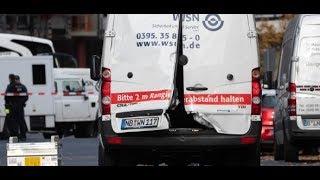 Download SCHÜSSE IN BERLIN: Maskierte überfallen Geldtransporter beim Alexanderplatz Video