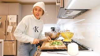 Download COOKING A HEALTHY DINNER *i'm an adult now* Video