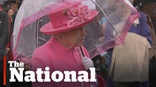 Download Queen Elizabeth caught on video in diplomatic gaffe Video