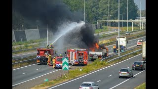 Download Vrachtwagen in brand op A15 bij Gorinchem Video