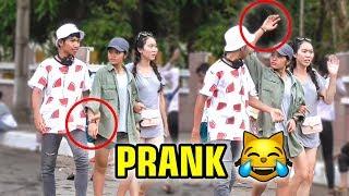 Download ដើរកាន់ដៃស្រីៗមិនដែលស្គាល់គ្នា Part II 😆❤️ Khmer Prank 2019 Video