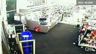 Download Walgreens Tornado Video Mobile Alabama | Watch Tornado on Walgreens CCTV On Christmas Day Video
