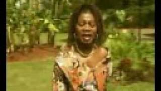 Download Angela Chibalonza- Ameniokoa Video
