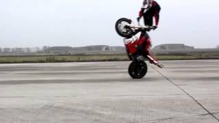 Download trucos en motos! impresionantes!! Video