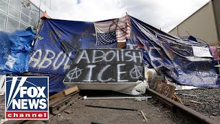 Download Tucker challenges Portland 'Occupy ICE' protester Video