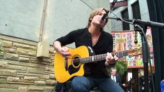 Download Monkeyville Breakfast - Put You in a Song by Keith Urban Video