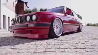 Download BMW Blog Story - Ciprian Mihai și Cezar Moțoc (E30 stock vs E30 custom) Video