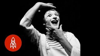 Download A Mime's Silent Resistance Against Nazi Forces Video