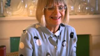 Download Jancis Robinson demonstrates how to taste a wine Video