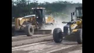 Download Drag Race GD755 vs CAT 14M Video