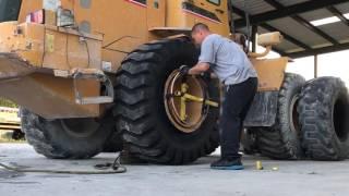 Download Changing 2 loader tires 20.5-25 Video