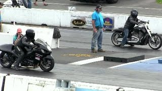 Download Suzuki Hayabusa takes on Harley Davidson v rod-drag race,sound,acceleration and speed Video