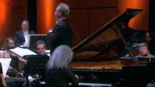 Download Martha Argerich plays Beethoven : Piano Concerto No. 1 in C major, Opus 15 Video
