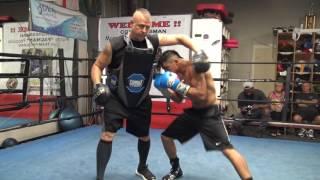Download Victor Ortiz KILLING MITTS - EsNews Boxing Video