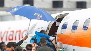 Download Le dernier survivant du crash de l'avion de l'équipe de Chapecoense de retour au Brésil Video