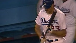Download WS1988 Gm1: Scully's call of Gibson memorable at-bat Video