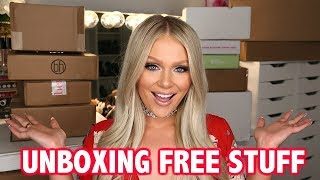 Download HUGE PR UNBOXING | FREE STUFF BEAUTY GURUS GET Video