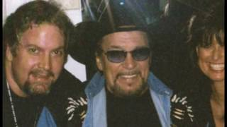 Download The making of The Last Recordings of Waylon Jennings with footage of Waylon perfoming in studio. Video