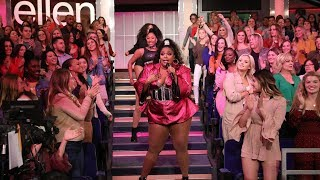 Download Lizzo Gets the Audience on Their Feet with 'Juice' Video