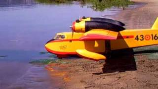 Download CANADAIR CL-215 rc-1 Video