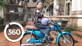 Download Take a Ride With a Fashion Renegade | Hanoi, Vietnam 360 VR Video | Discovery TRVLR Video