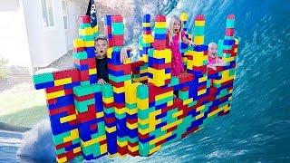 Download GIANT LEGO Battleship Game! BOYS vs. GIRLS Video