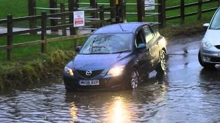 Download vehicles crossing a flooded ford 2016 - river crossing Video