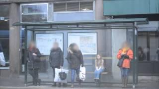 Download Så reagerar svenskarna på den frusna flickan Video