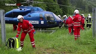 Download LKW bei Verkehrsunfall auf der Westautobahn in Ohlsdorf über Böschung gestürzt Video
