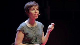 Download ¿Por qué me vigilan, si no soy nadie? | Marta Peirano | TEDxMadrid Video