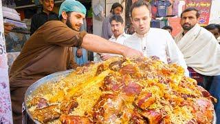 Download Street Food in Peshawar - GOLDEN PULAO Mountain + Charsi Tikka Kabab + Pakistani Street Food Tour! Video