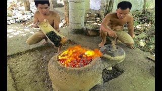 Download Primitive Technology: Experiment, building a Simple Metal Furnace (Forge) Video