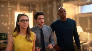 Download Barry explains multiverse to team Supergirl Video