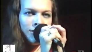 Download Milla Jovovich singing beautiful Ukrainian Cossack song Video