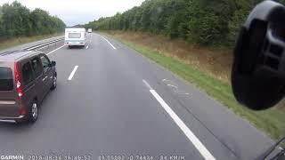 Download Dashcam: des fous , des camion américain, un vélo blizzard sur l'autoroute Video