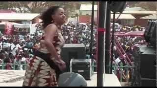 Download ANGELA NYIRENDA LIVE AT THE LUSAKA SHOWGROUNDS CHALO CHUWAMA NAWAKO Video