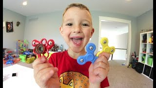 Download FATHER SON MINI FIDGET SPINNER / and Skateboarding! Video