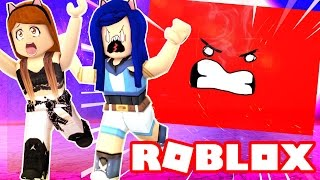 Download CRUSHED BY A CRAZY SPEEDING WALL IN ROBLOX! Video