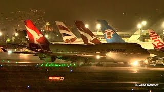 Download Night Plane Spotting at LAX Video