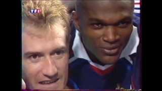 Download Les joueurs de l'Equipe de France aprés France/Italie en finale de l'Euro 2000 Video