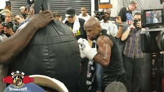 Download WHOA! FLOYD MAYWEATHER POWER PUNCHING LOOKING BETTER AT AGE 40 THAN... Video
