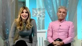 Download Holly nearly swears as Phil makes her jump! This Morning 8th February 2012 Video