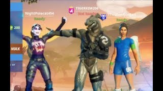 Download PLAYING FORTNITE WITH COOLEST FAN REACTION Video