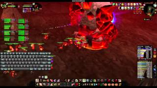Download Fury Warrior Gameplay in Molten Core (1.12.1) Video