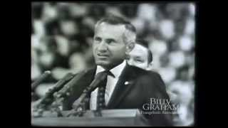 Download Louis Zamperini Testimony at 1958 San Francisco Billy Graham Crusade Video